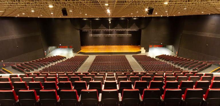 Auditório Master vista para o palco superior